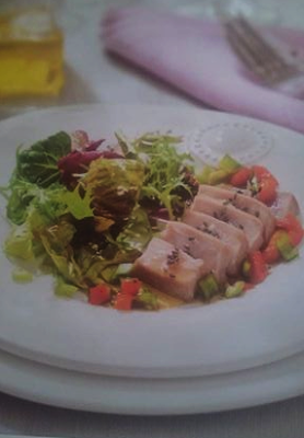 Receta de cocina casera de Ensalada de atún con salsa de soja