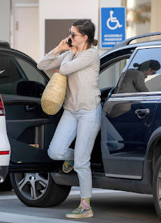 Anne Hathaway Out And About In Los Angeles