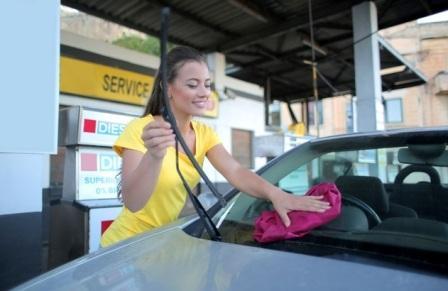 7 Penyebab Air Wiper Mobil Tidak Keluar dan Cara Memperbaikinya