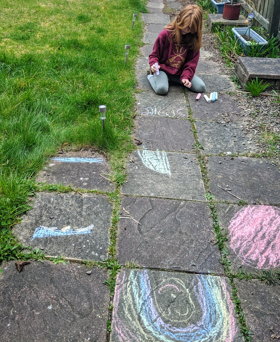 8 Easy Ways to Have Fun in your Garden this Summer  - decorate your garden path