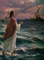 JESÚS ANDA SOBRE EL MAR