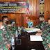 KALBAR: Tim STER TNI Tinjau Giat Binter Satgas Yonif 642/ KPS