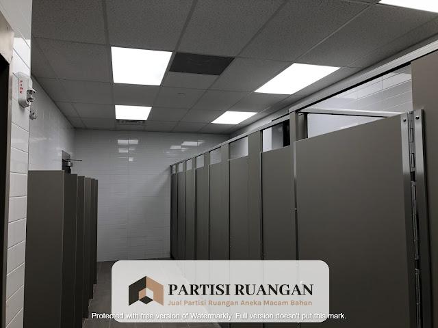 jual partisi toilet phenolic Sukabumi