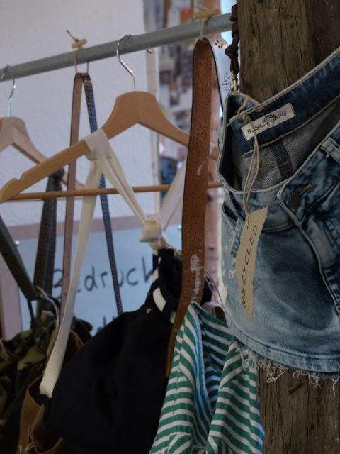 BasicApe Dortmund faire Mode slow fashion Bio Baumwolle Siebdruckverfahren Tshirts Upcycling StartUp Atelier