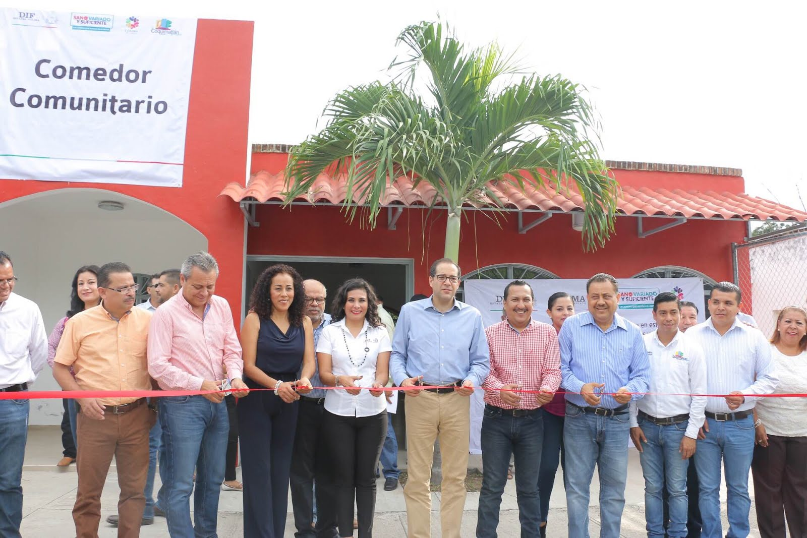 Gobcol inaugura gobernador comedor comunitario en pueblo for Proyecto social comedor comunitario