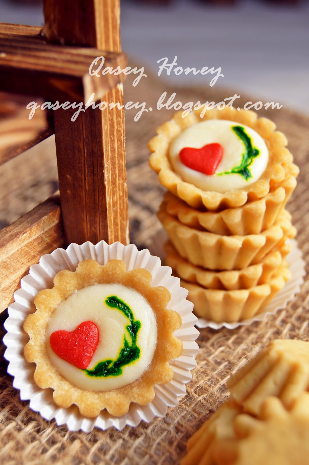 Qasey Honey: KIWI CHEESE TART