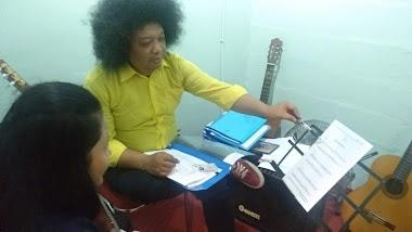 Uji Kompetensi gitar di Kota Medan - Assesor Puguh Kribo