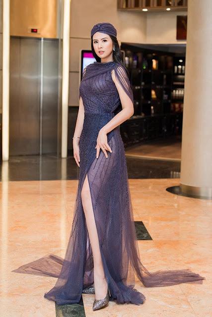 Ngọc Hân mặc váy xuyên thấu