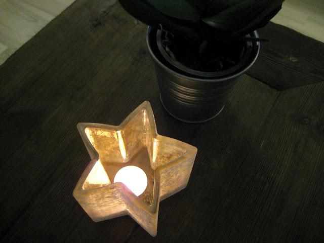 kynttilä, kukka. kynttilänvalo