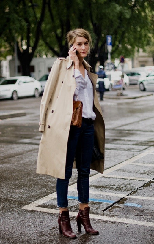 Trench Coat Center Street Style In Trench Coat