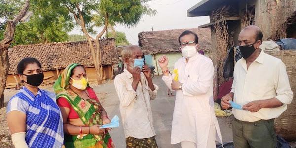 जिला भाजपा द्वारा झाबुआ शहर में 200 से अधिक मास्क का निःशुल्क किया गया वितरण, कोरोना से रोकथाम के लिए लोगों को किया जागरूक