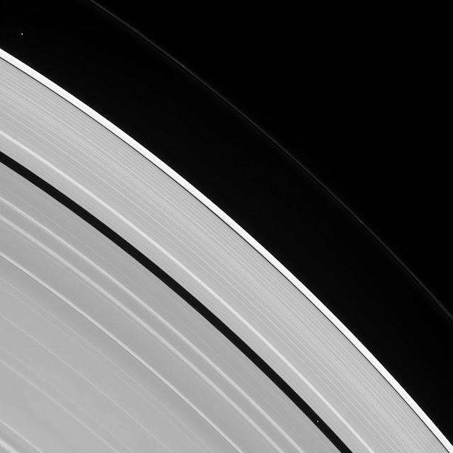 Quantas luas tem Saturno?