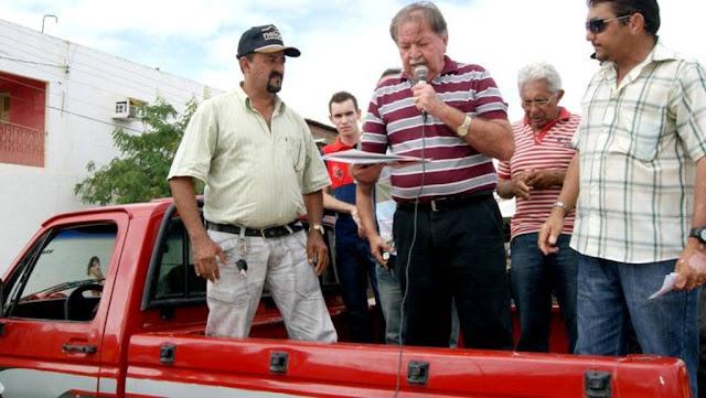 No Sertão da Paraíba, ex-prefeito é suspeito de construir casas em terrenos doados pelo Dnocs