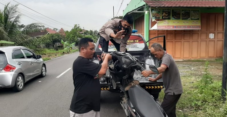 Warga Banjarnegara Kecelakaan di Kutasari, Pengendara Dibawa Ke RS Siaga Medika Purbalingga