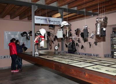 Taller práctico de lámparas eléctricas de casco en Sabero