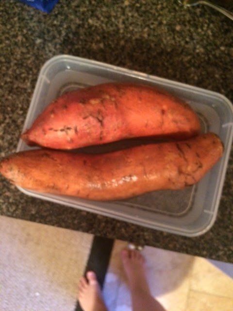 how to cook half a sweet potato in the microwave