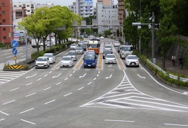 Traffic rules in Japan
