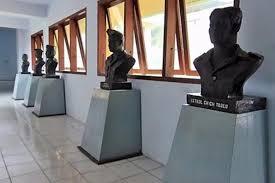 Patung para Pahlawan nasional sulawesi utara