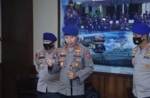 Polri, Kerahkan 9 Armada Kapal dan 4 Pesawat Helli Dalam Mencari Pesawat Sriwijaya Air yg Jatuh Diperairan Pulau Laki