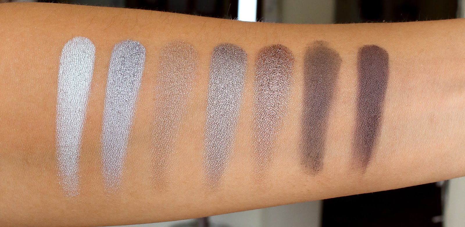 Morphe 35k eyeshadow palette review beauty in bold - Forth Row