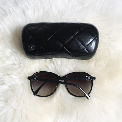 chanel in the business lambskin large jumbo flap bag with shw silver hardware chanel caviar card holder cardholder ghw gold hardware thrifted chanel thrifting cheap chanel chanel sunglasses