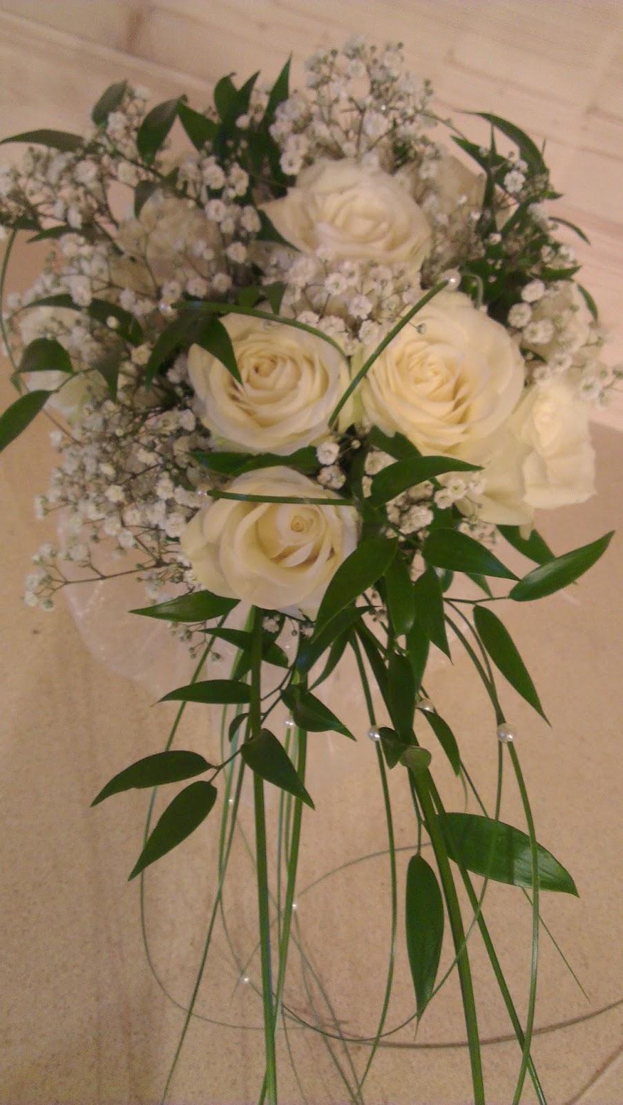 Bear Grass /& Diamante Posy Posie Wedding Flowers Gyp Handtied Bouquet Rose