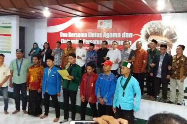 "Ikadin Kota Mataram: ""Kita Indonesia, Kita Bersatu, Papua adalah Kita"""