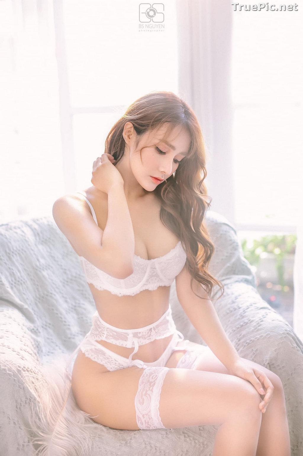 Image Vietnamese Model - Nguyen Thi Phi Yen - Beautiful Sexy White Lingerie - TruePic.net - Picture-9