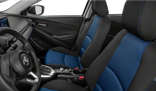 yaris-sedan-blue-and-black-front-seats