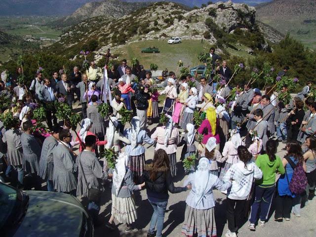 """""""Εδώ ειν' αλώνι για χορό"""" στις 19 Αυγούστου στο Αρχαίο Θέατρο Επιδαύρου"""