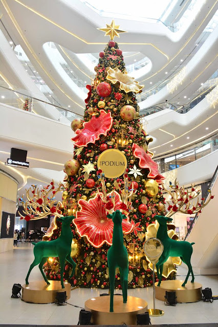 The Podium's 40-foot tree with its Holiday Blossoms theme