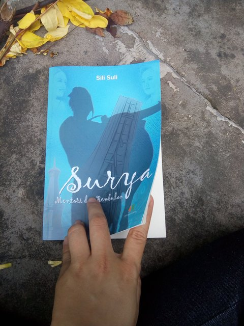 Review Novel Sili Suli Surya Mentari dan Rembulan
