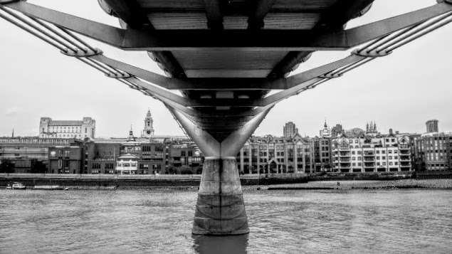 MillenniuM Bridge, the Unfinished City