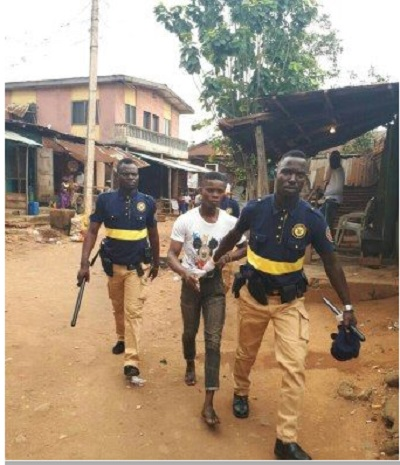 2 Robbers Arrested While Fighting Over Loot At A Bank In Lagos