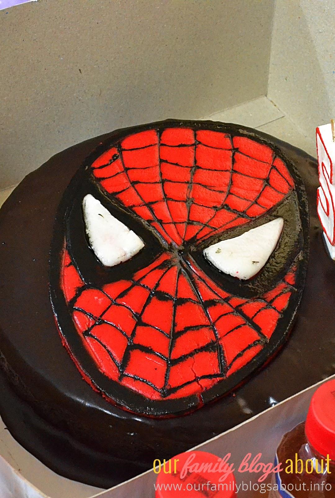 Moist Chocolate Cake And Cupcakes