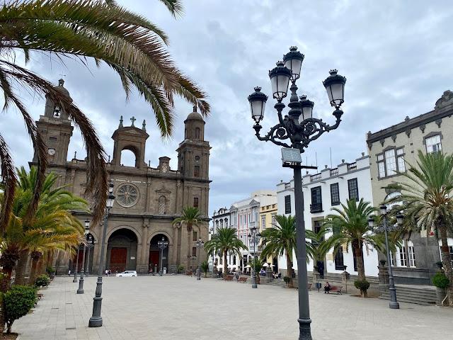 Cathedral & Plaza de Santa Ana, Las Palmas, Gran Canaria, Spain