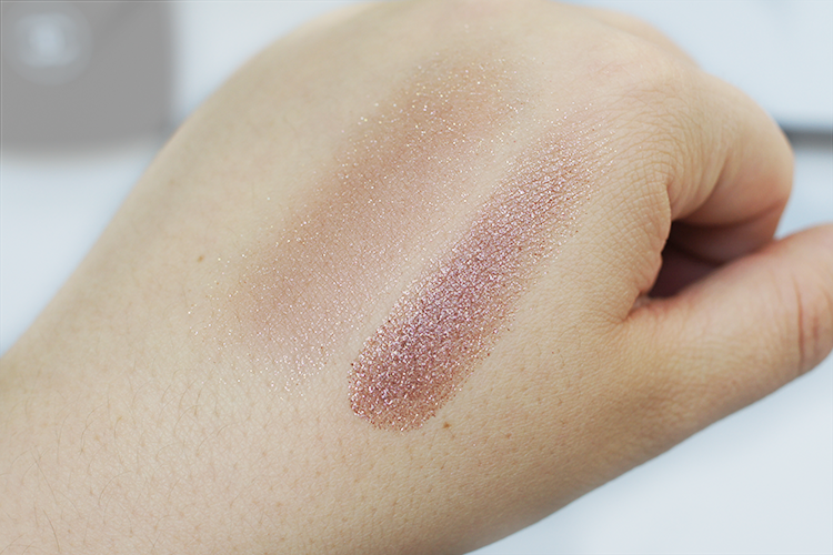 chanel-new-moon-illusion-d'ombre-swatch