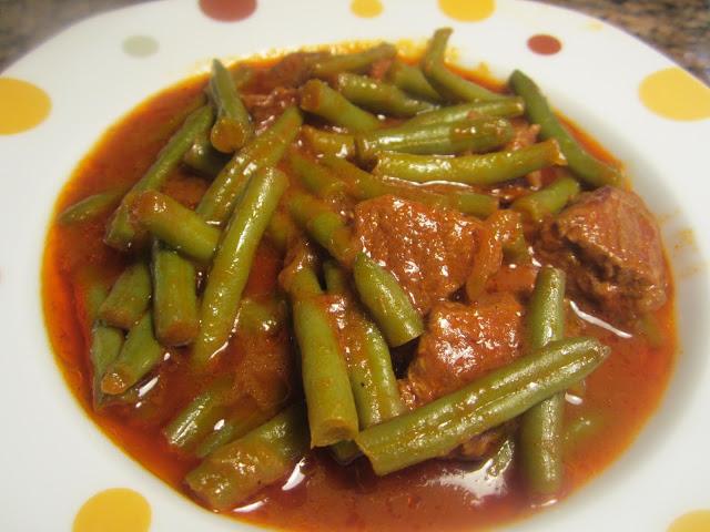 Green Bean Stew (YAKHNIT LOUBIEH)