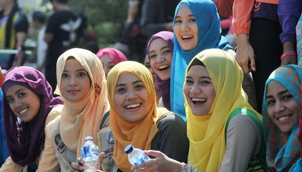 5 Fashion Hijab Yang Padu Padan dan Tepat Agar Tidak Disebut Jilboobs
