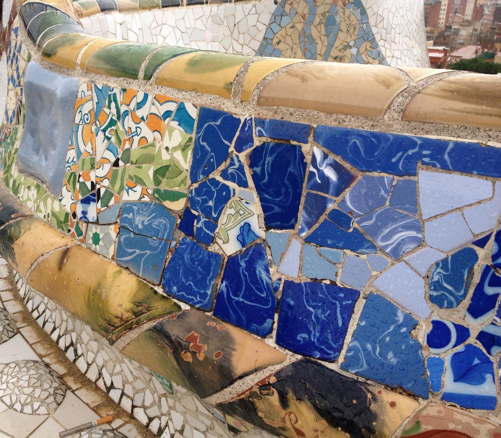 75b782d8 Mitt 3. bilde går både innenfor kategorien komposisjon og reise. Jeg har  knipset det på språkturen i Barcelona i Parc Güell. Mosaikk bitene som er  satt ...