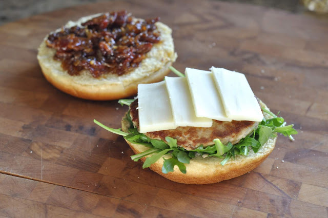 Applegate Organics® Turkey Burgers with Arugula, Jack Cheese, and Homemade Bacon Jam | Taste As You Go