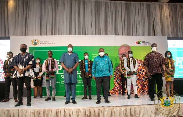 President Akufo-Addo Presents Gh¢1 Million To 20 Young Entrepreneurs