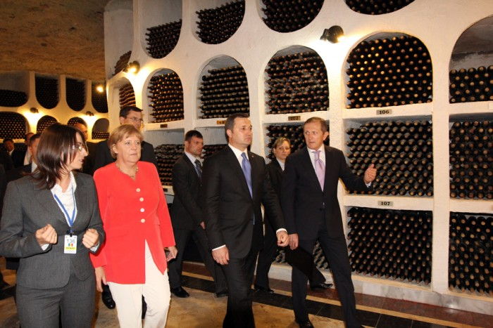 German Chancellor receives 460 bottles of collection wines ...