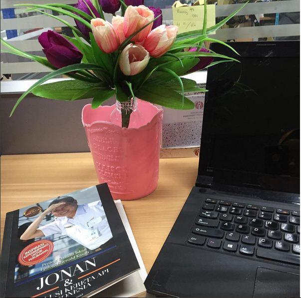 Review buku Jonan dan Evolusi Kereta Api Indonesia, Revolusi Perubahan PT. KAI, Mengupas perubahan sistem kerja KAI