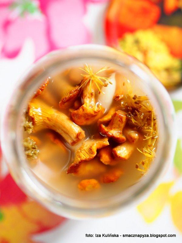 pieprznik jadalny, kureczki, grzyby kiszone, kiszonka grzybowa, kwasne kurki, przetwory z grzybow