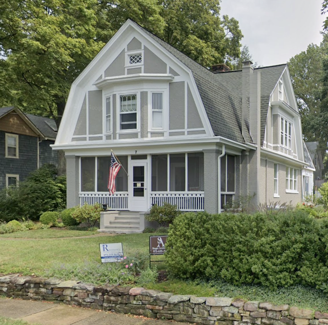 front and right view of Sears No 137 at 7 Orchard Street, Mendham, New Jersey