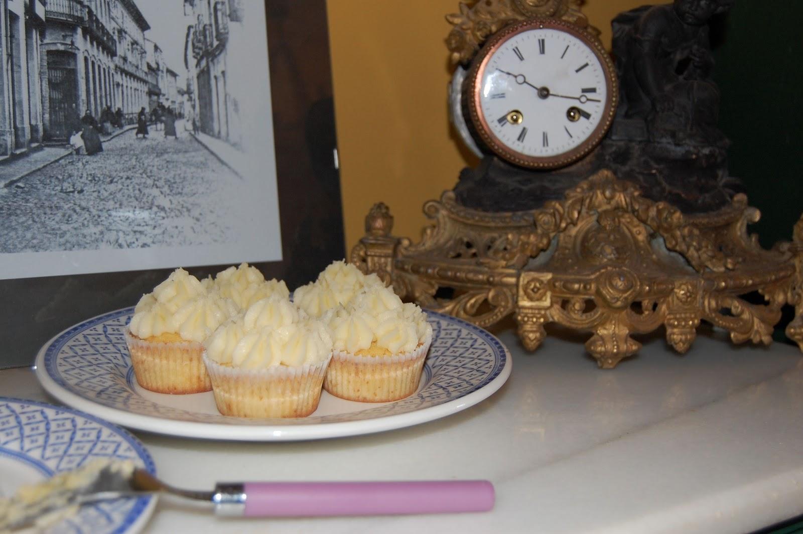 http://azucarenmicocina.blogspot.com.es/2012/11/cupcakes-lemon-curd.html