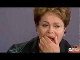 Dilma cantando
