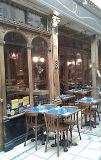 Blog 'lugares de memória'. Matéria sobre as passagens cobertas de Paris
