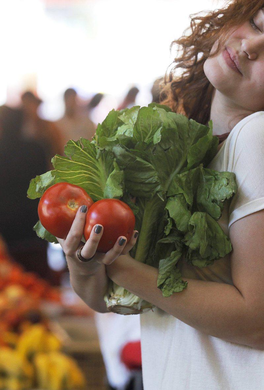 Consejos y fórmulas para que sus vegetales y frutas batallen contra la descomposición